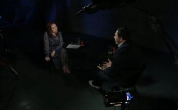 """Инна Шихман берёт интервью у Сергея Минаева на канале """"А поговорить?"""""""